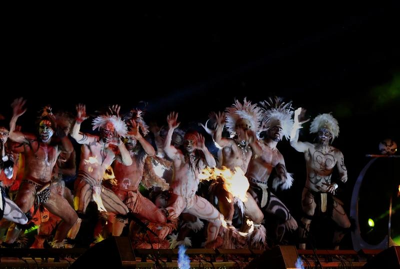 11/06/2015 Télam Santiago de Chile: Se realizó la inauguración de la Copa América Chile 2015, con baile, globos, cantantes y  mujeres pájaros. Luego Jugarán Chile y Ecuador. Foto: enviado especial/Claudio Fanchi/ema