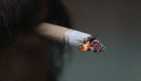 DESVENTURAS, HORRORES Y EXCUSAS DE EX FUMADORES SERIALES