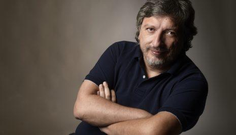 SERGIO OLGUÍN: DEL PERIODISMO A LA FICCIÓN