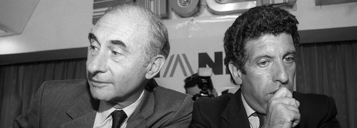 Cada uno por su lado. Alvarez renunció en 2000; De la Rúa se fue a fines de 2001.