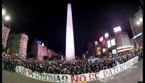 LOS CASCOS Y LOS CHALECOS PATENTADOS NO SON UNA SOLUCIÓN EFECTIVA PARA LA INSEGURIDAD