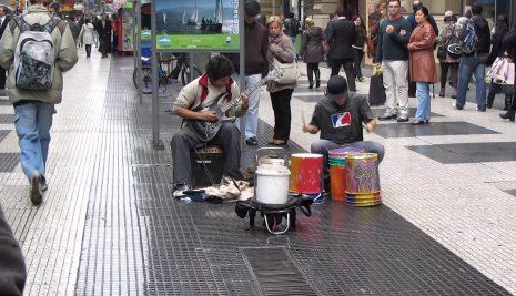 CRÓNICAS MUSICALES DE UNA CIUDAD ALIENADA